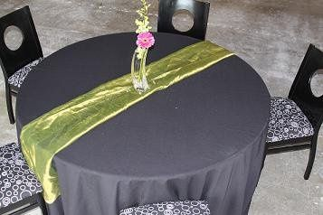 table setting with center piece
