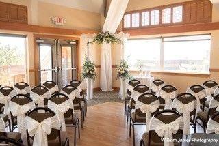 eab9570f858b21a2 1521492836 4a637f92f0ed6513 1521492807241 22 Ballroom set up