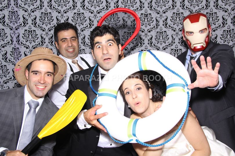 800x800 1424010237736 photo booth cabine montreal108