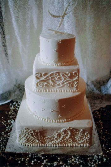 daviana ladsons wedding cake aug 3 2013 001
