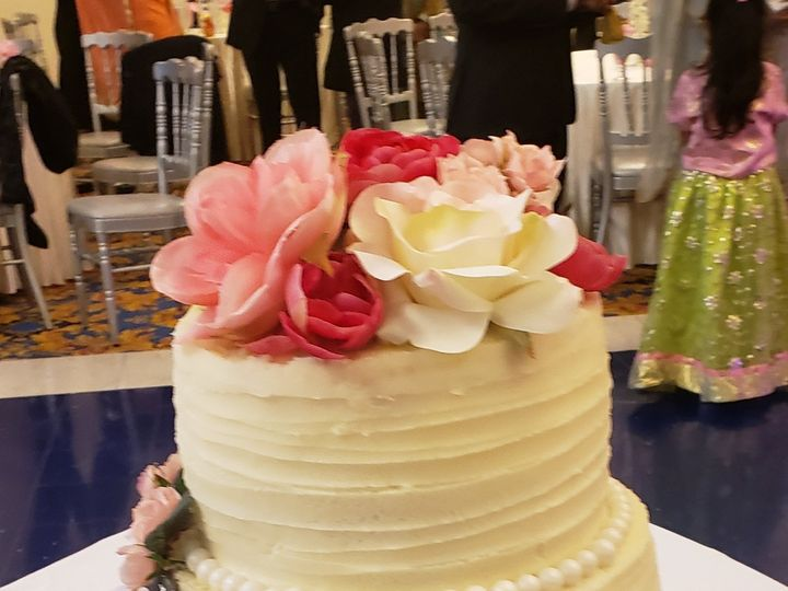 Tmx 20191221 213840 1 51 1903429 157938070139428 Woodbury, NJ wedding cake