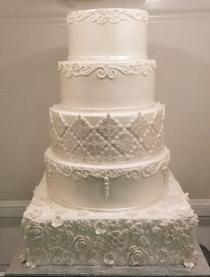 4-tier wedding cake