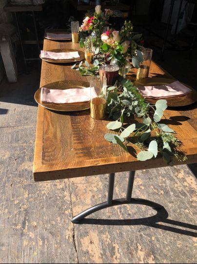 Farm tables with foldable legs