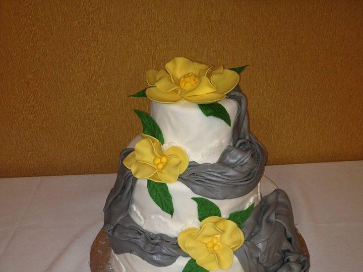 Tmx 1413816633107 Blooms 8 Indianapolis wedding cake