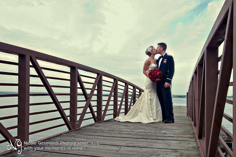401c68d059077e36 1531411410 f394190bbecb7f04 1531411406541 11 ri wedding photog