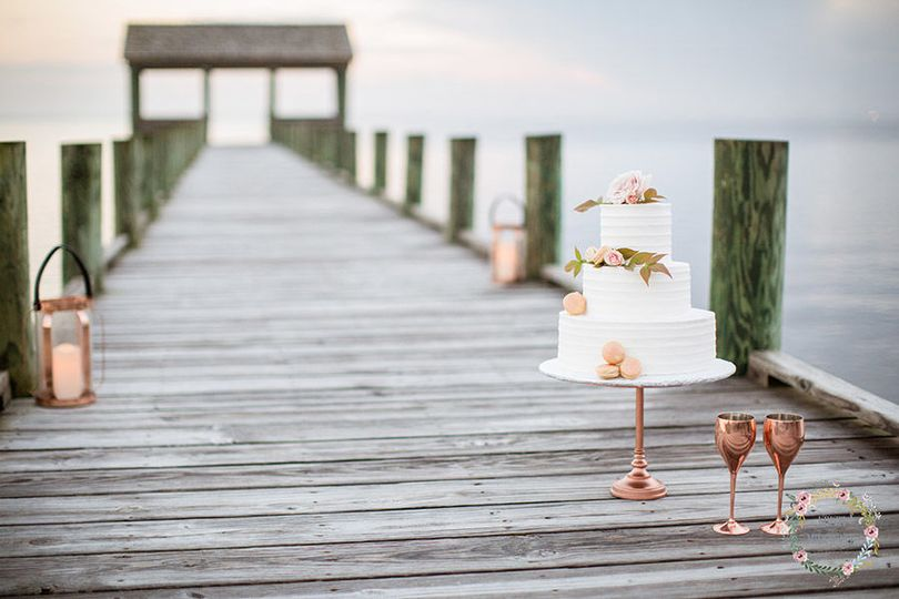 The wedding cake - Kristi Midgette Photography