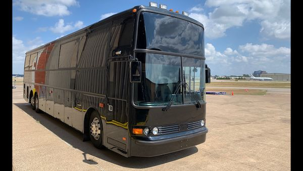 32 Pass. Luxury Bus Restroom