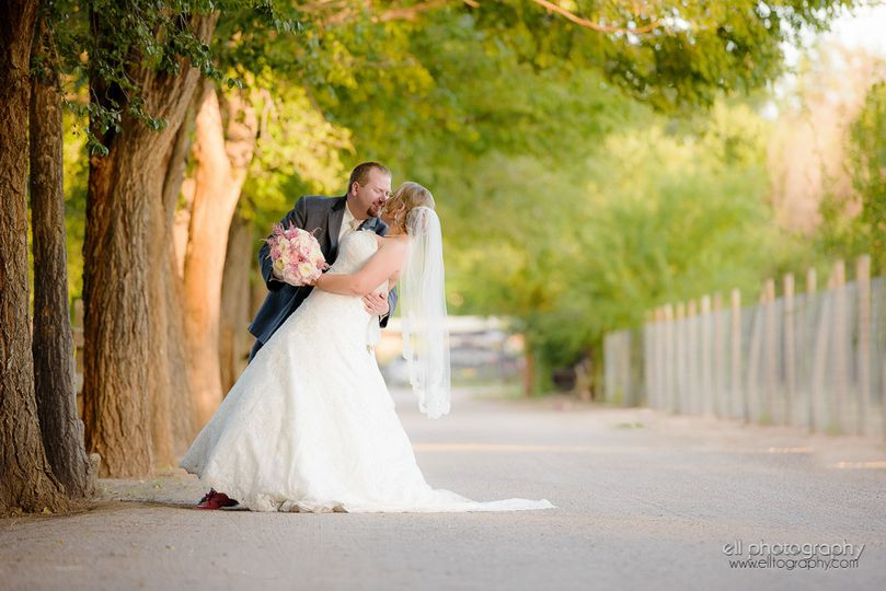 800x800 1473657404897 ell photography albuquerque wedding old town farm