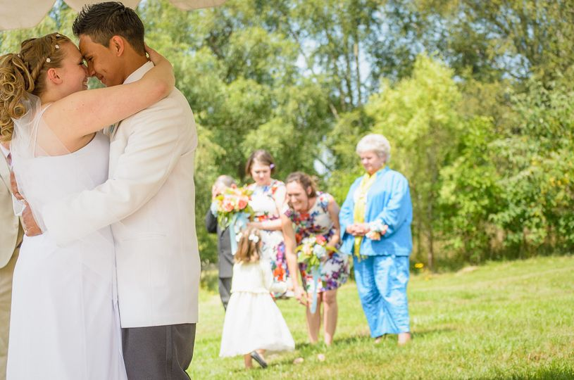 samantha carlos wedding photography poulsbo quaint