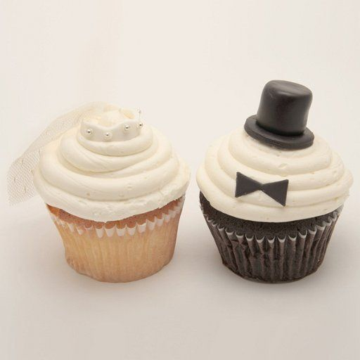 800x800 1305142419091 weddings8cupcake