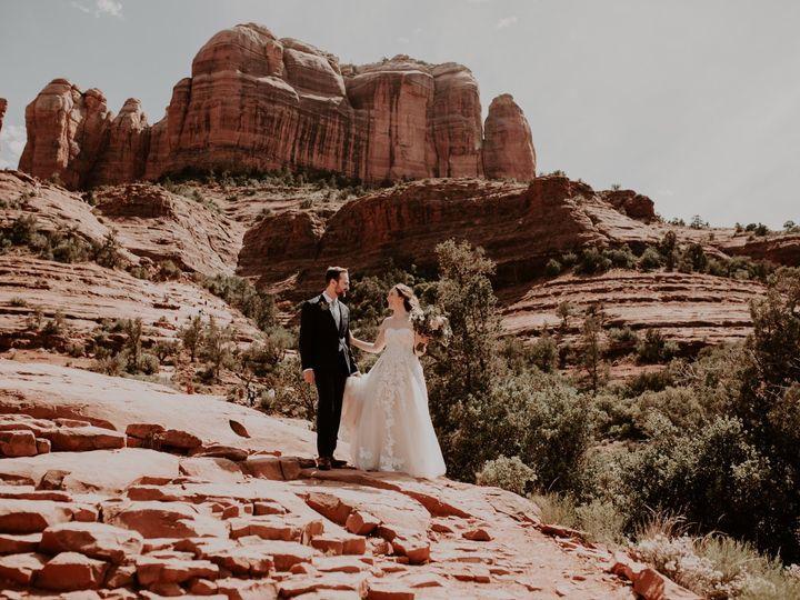 Tmx 1d8a2945 9772 41bd Ba91 4d819ba489fe 51 924629 1558748136 Sedona wedding beauty