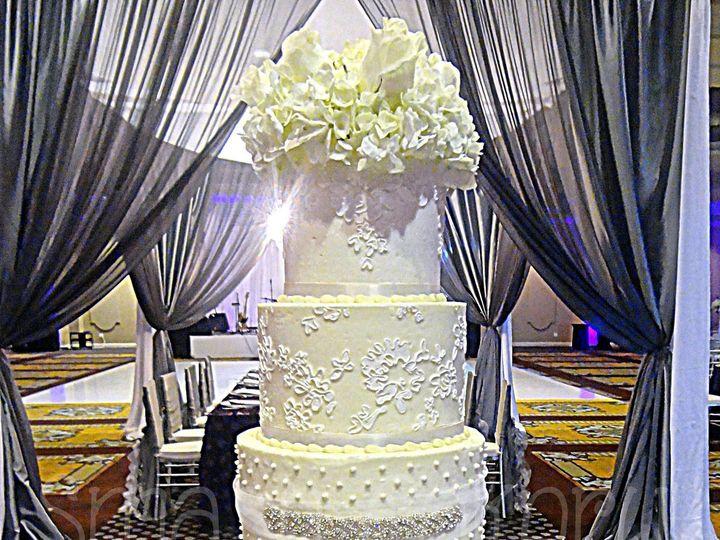 Tmx 1378750377312 Fivetierglamcake Spring wedding cake