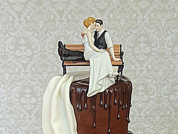 Tmx 1395677272855 Splitweddingcake Cop Spring wedding cake
