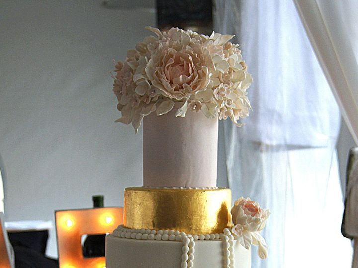 Tmx 1395677294715 Flowersgoldandruffles Cop Spring wedding cake