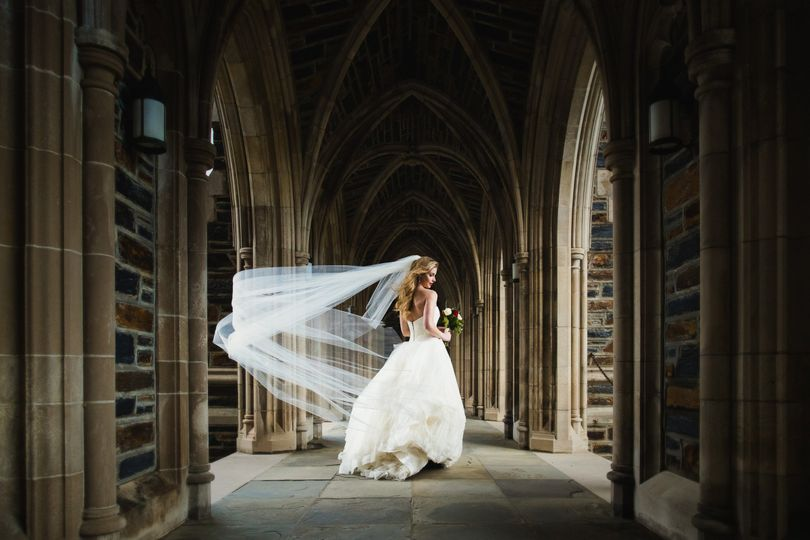 800x800 1486437551498 Duke Chapel Wedding Photography Bride Arcades 1