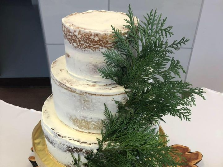 Tmx 59039582 919384185080278 4155594602222452736 N 51 1990729 160139878833105 Sylvania, OH wedding cake