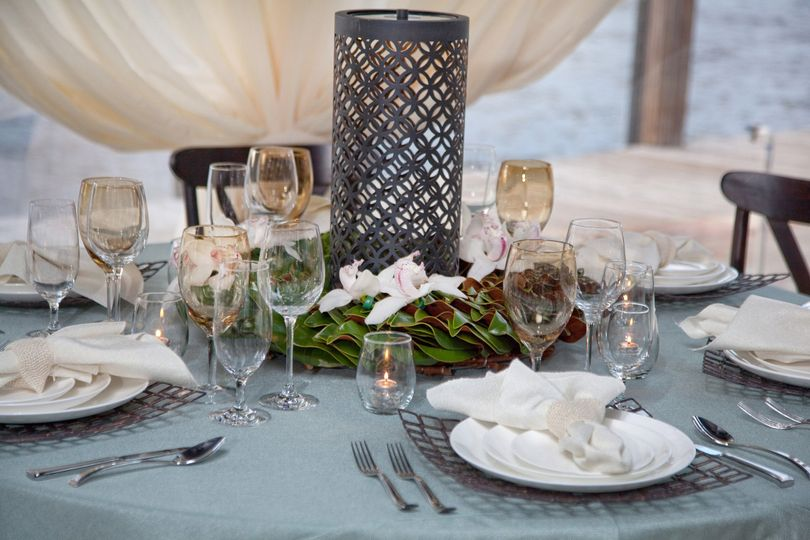 Table setting in pastel colors