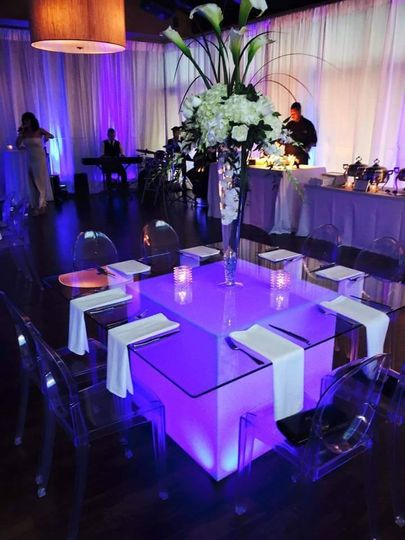 Table setting neon colors