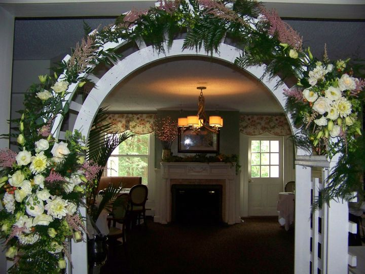 Tmx 1455052687753 Arch Redding, CT wedding florist