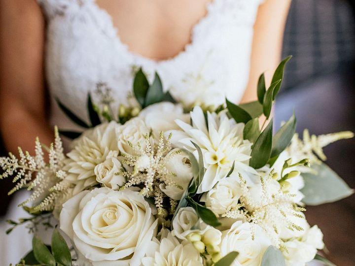 Tmx Bouq Crop2 51 115729 159562347232687 Wilton, CT wedding florist