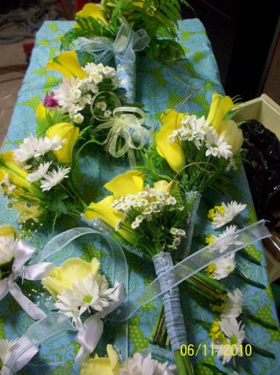 A June Brides Calla Lily & Daisy package