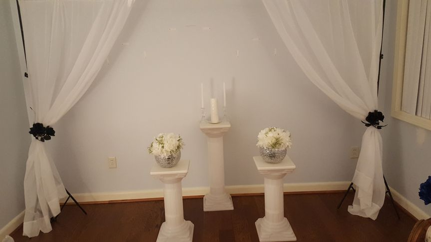 Unity candle and ceremony decor
