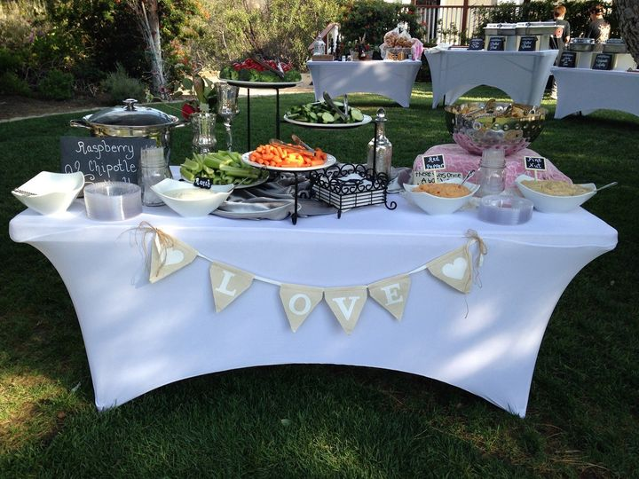Stationary appetizer table