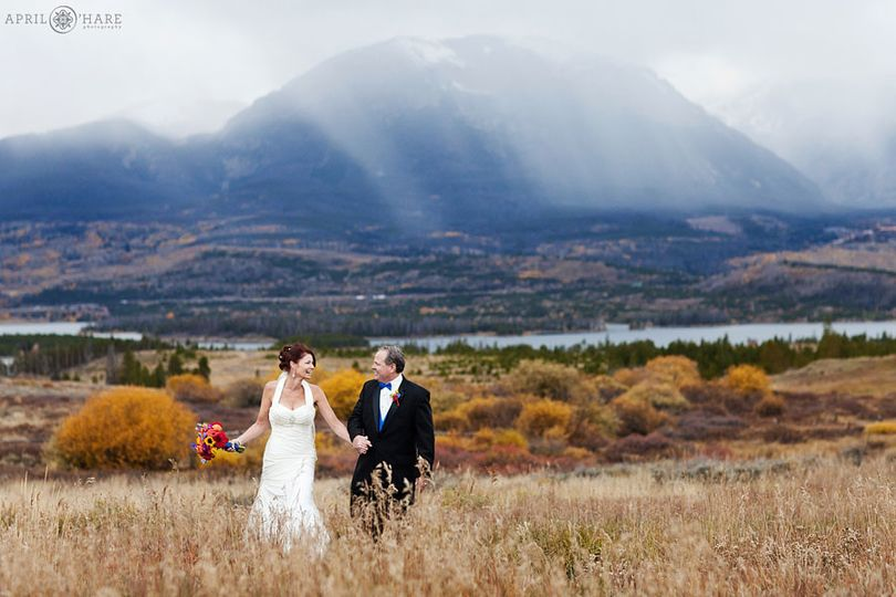 colorful colorado wedding photography lake dillon