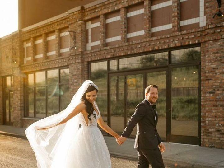 Tmx 1524859246 A806bfc3ee43b51e 1524859244 8b7219ccef7a2d6d 1524859234570 8 811F30F0 B938 4229 Bellevue, WA wedding planner