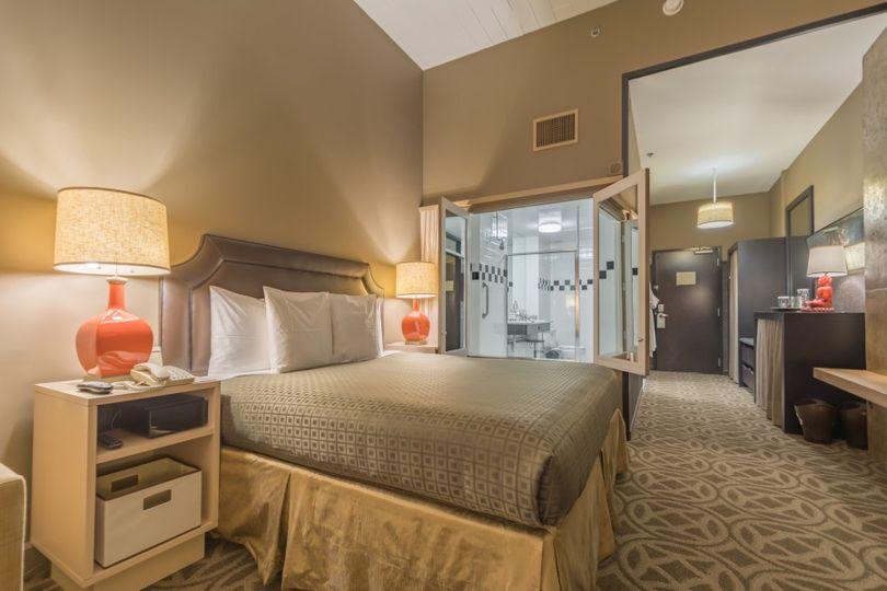 Proximity Hotel Loft King Spa
