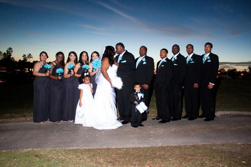 img0111 formal picture bridal party11
