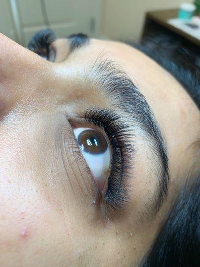 Lovely hybrid lashes