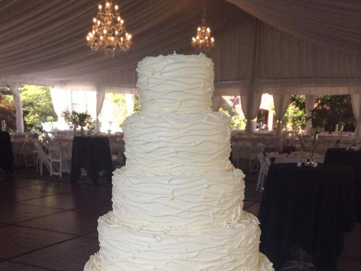 Tmx 1462373558056 1138999511725783294345434723138548441813808n Milwaukee, WI wedding cake