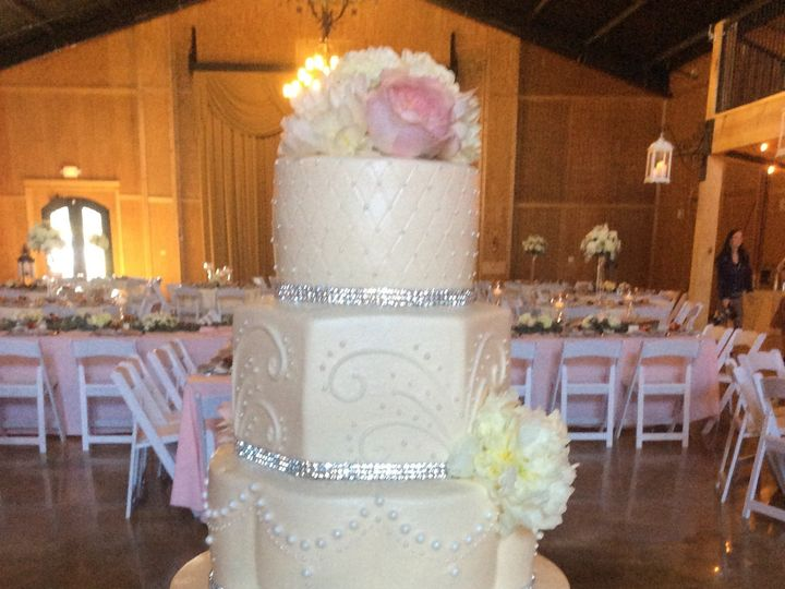 Tmx 1464211961749 Img4776 Milwaukee, WI wedding cake