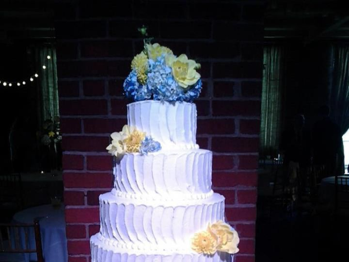 Tmx 1464212646935 Img0561 Milwaukee, WI wedding cake