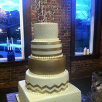 Tmx 1516637863 E3d0df4a20a88f1d 1516637862 4a901845c89e9fc7 1516637864948 4 13627039 146838007 Milwaukee, WI wedding cake