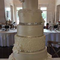 Tmx 1516638230 E78f663ad059e1ee 1516638229 28709dd54628985a 1516638231686 7 22090128 210775882 Milwaukee, WI wedding cake