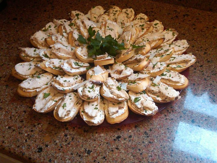 grilled chicken crostini