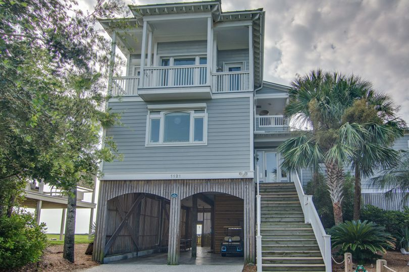 Charisma By the Sea is oceanfront on Folly Beach! It has three bedrooms and can host events for up...