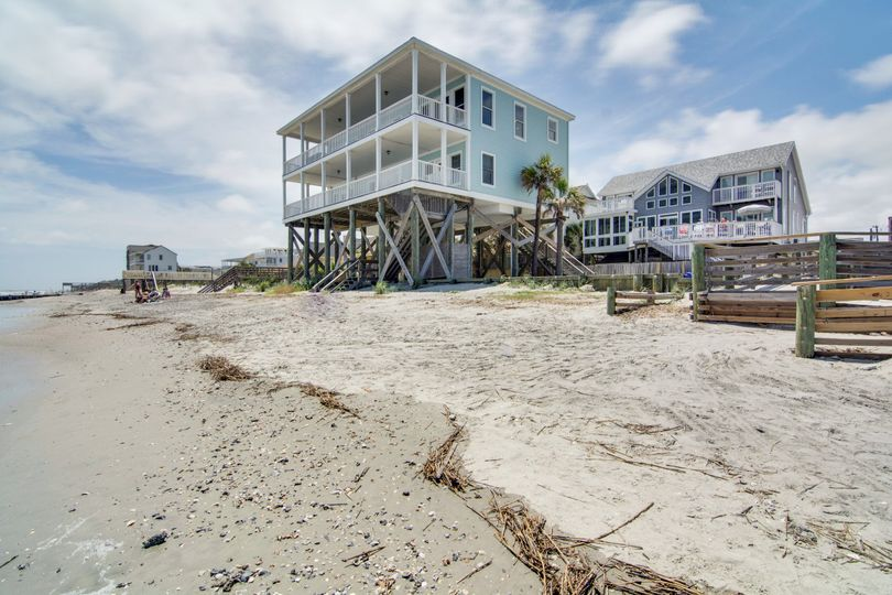 Fun'N'Folly is oceanfront on Folly Beach! It has five bedrooms and can host events for up to 55...