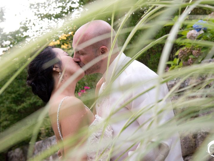 Tmx Grounds Sea Grass Bernadette Michael Kiss Sea Grass Copy 51 6929 Charlestown, RI wedding venue