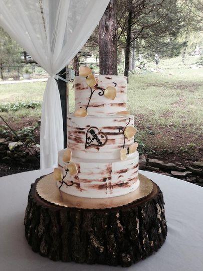 3-tier rustic wedding cake