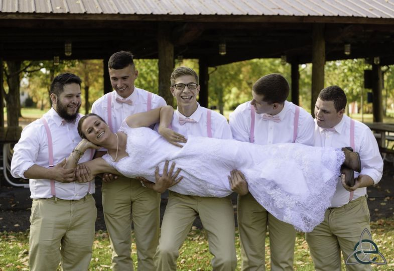 Carrying the bride (Eberle Images)