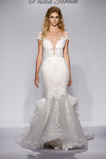 Pnina Tornai Style 4444  Ivory Chantilly lace mermaid with corset back, corded lace applique and...