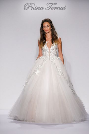 b636178cff06 Kleinfeld Bridal Pnina Tornai Style 4452 Ivory tulle and Guipture lace ball  gown with Swarovski beaded and pearl
