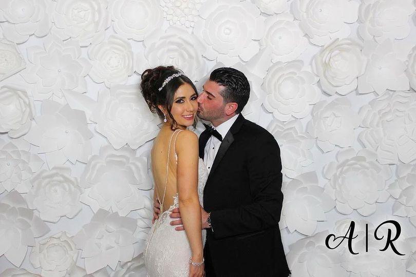 Wedding Smooches with border