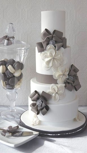 Ribbon elegance cake