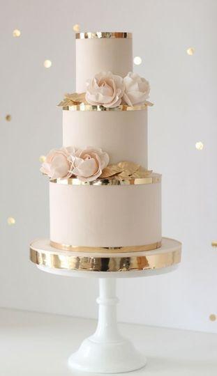 Simply golden cake