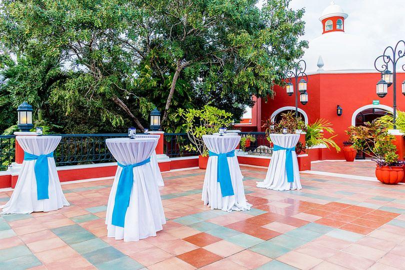 Terrace cocktail setup