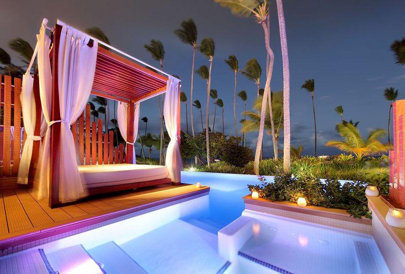 Swim up suites!